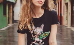 Camiseta Sphynx skate surf negro mujer